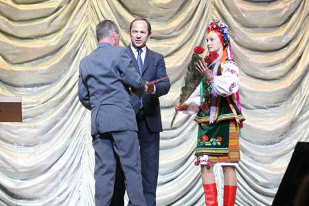 Honoring Chernobyl victims at the Ukraine Palace